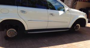 Roberto Luongo se fait voler les jantes de son Mercedes-Benz GL