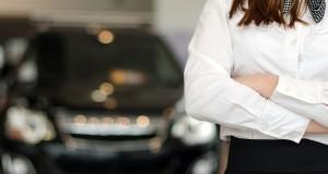 Est-ce une bonne idée de donner sa voiture en échange au concessionnaire?