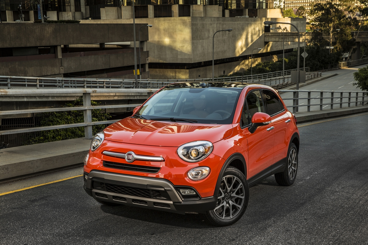la fiat 500x pourrait devenir abarth vusmag. Black Bedroom Furniture Sets. Home Design Ideas